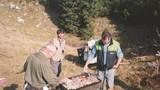 Na prvem pikniku je pekel meso pokojni Janez Klešnik
